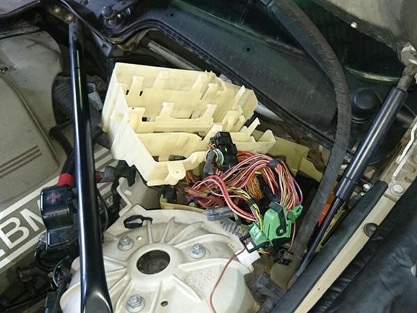 BMW 5シリーズ E60 エンジン 警告灯点灯 修理