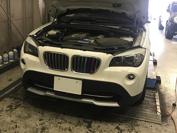 BMW X1 E84 エンジンオイル漏れ 車検 修理