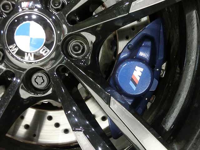 BMW整備中