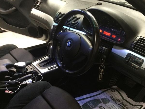 BMW 3シリーズ E46 フロントガラスの破片清掃