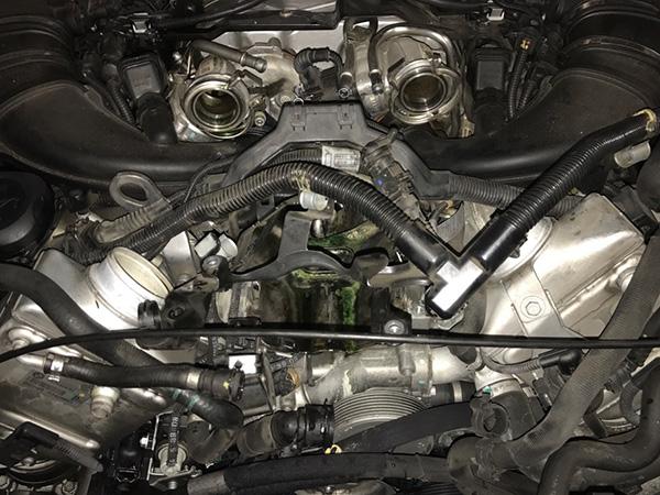 BMW X6 E71 エンジンストール 修理