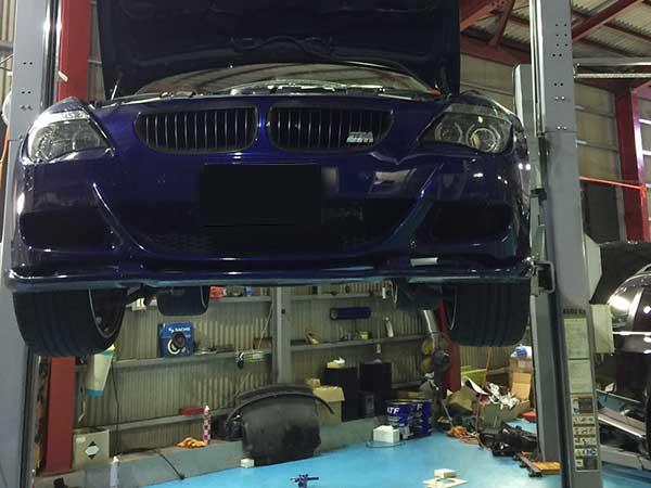 BMW M6 足回り ふらつき 点検
