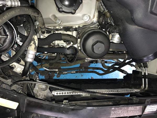BMW e92 M3 エアコンが効かない 修理