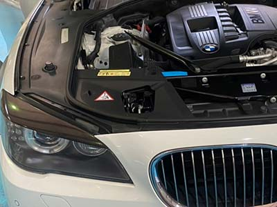 BMW エンジン回転数不安定 F10 740i 点検修理